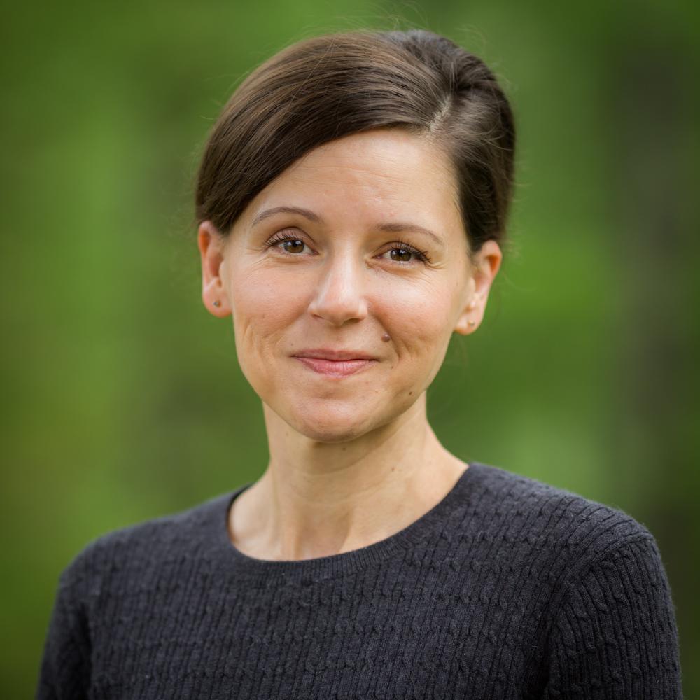Pauline Davidson